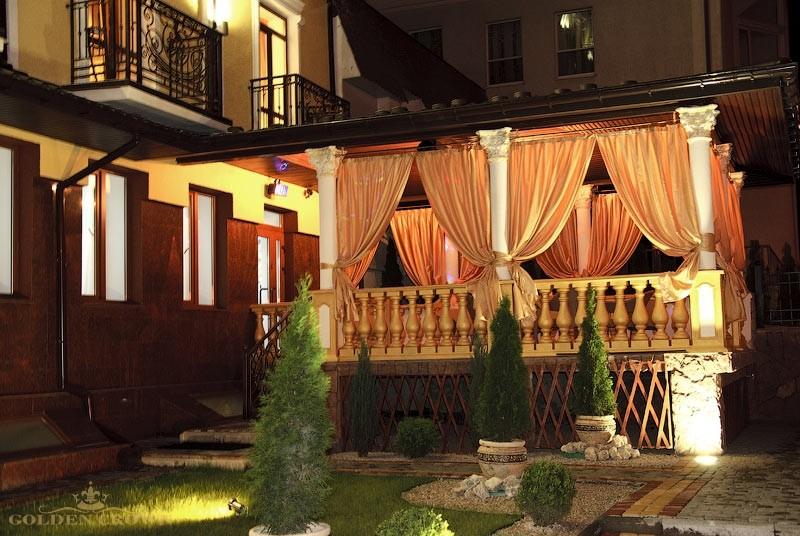 Внешний вид гостиницы Золотая Корона